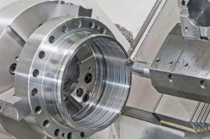 Fresa industriale al lavoro